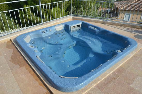 Villa Azur Golf: Vasca idromassaggio