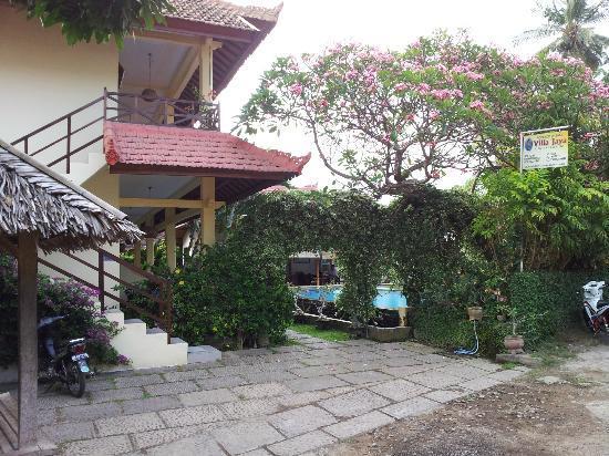 Villa Jaya: Entrance