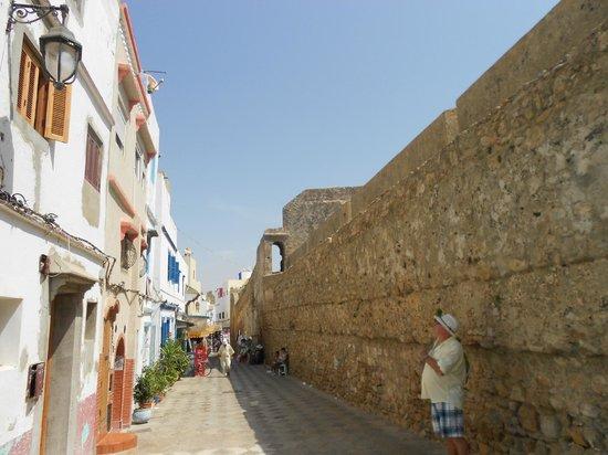 Riad Assilah : Inside medina walls opposite riad