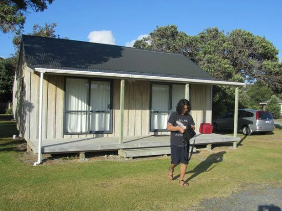 Self contained cabin picture of camp waipu cove waipu for Self contained cabin