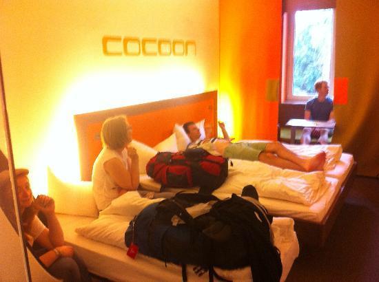 Hotel Cocoon Sendlinger Tor: Triple room - 3 decent beds