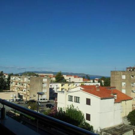 Vila Josip Jukic : Man har faktiskt lite havsutsikt fr 3e vån. Och solnedgångarna är mkt vackra