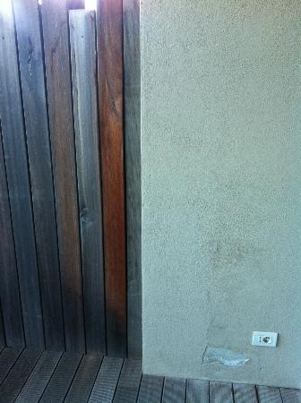 Argentario Golf Resort & Spa: muro ext scrostato