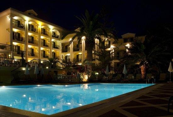 Hotel Quinta Bela Sao Tiago: by nigth