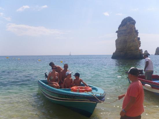Praia Dona Ana: boat tour to grottos