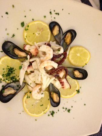 insalata di mare - Picture of Ristorante Corallo, Santa Maria al ...