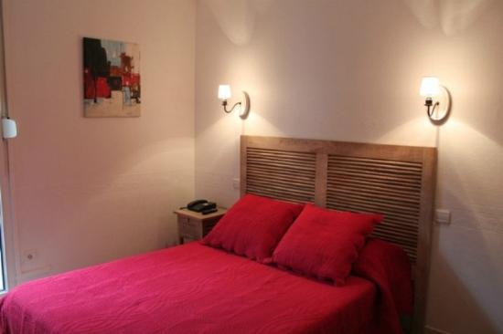 Inter-Hotel Le Saint Georges : Une chambre