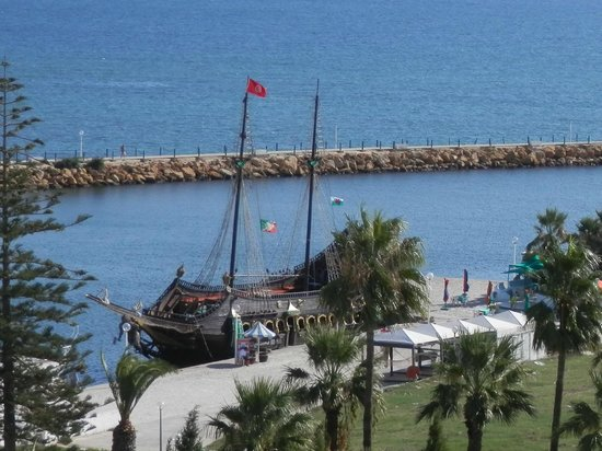 El Hana Hannibal Palace Hotel: Largest pirate ship