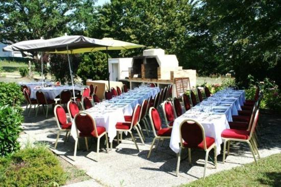 Campanile Saumur: L'extérieur