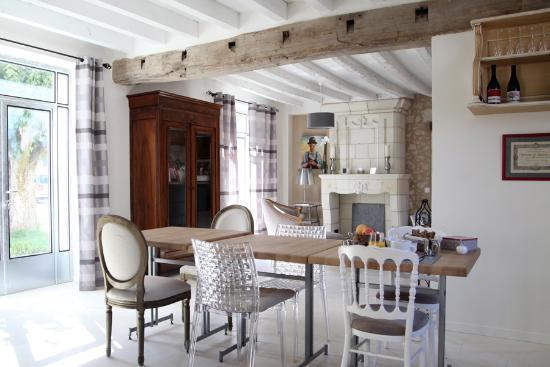 Le Hameau des Vignes : salle à manger