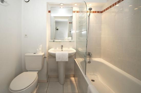 Inter-Hotel Ambacia : La salle de bain