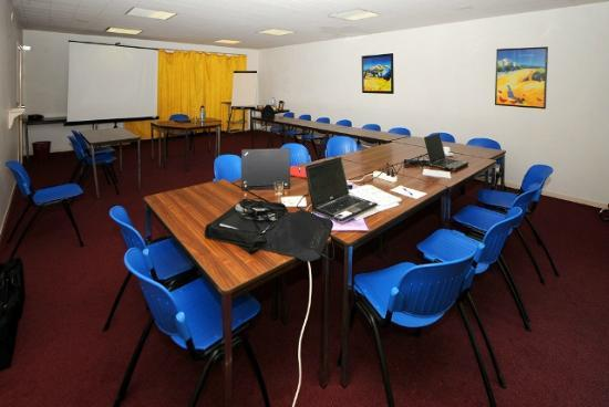 Inter-Hotel Ambacia : Une salle de séminaire