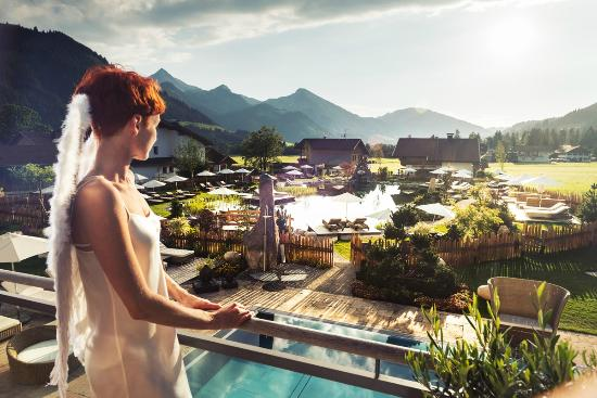 Wellnesshotel Engel: Genießen Sie den himmlischen Ausblick über das Tannheimer Tal