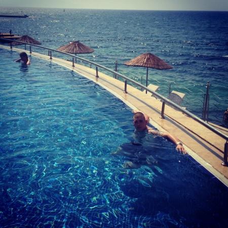 Charisma De Luxe Hotel: pool
