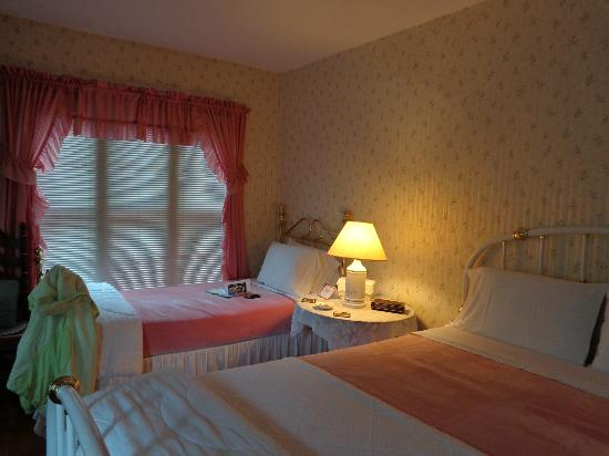 Amelia Payson House: our lovely room