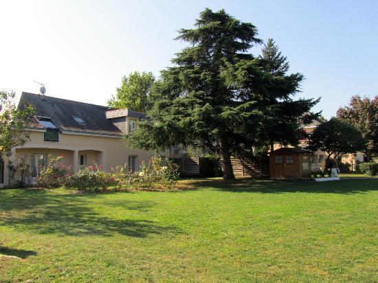 Auberge Bienvenue : Auberge jardin