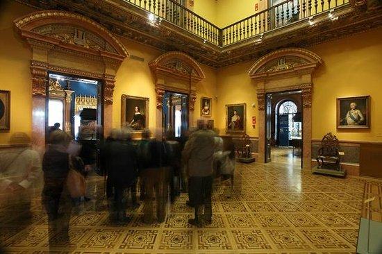 ラサロ ガルディアーノ美術館