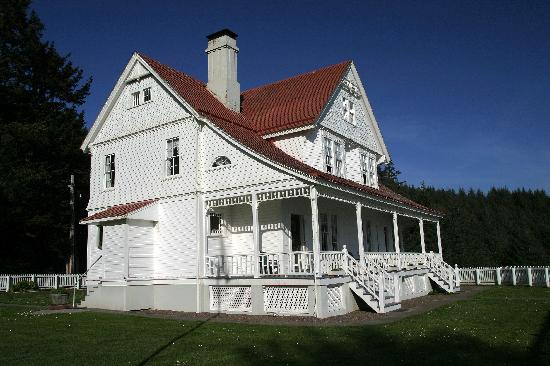 ‪‪Heceta Head Lighthouse Bed and Breakfast‬: Front view of the B & B‬