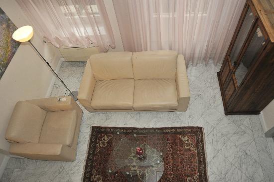 Residence Cavour: Ciclamino, salotto