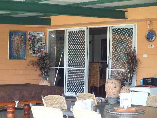 Clandulla Cottages, Beaudesert: Huge Verandah