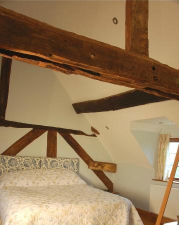 Huntlands Farm Bed & Breakfast: The Rafters Room