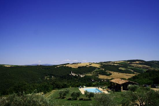 Agriturismo Santa Maria: View to the pool