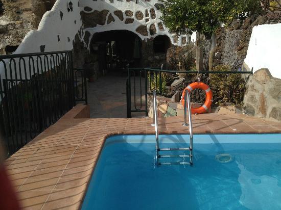 Casa-Cueva El Mimo : Piscina compartida con Casa-Cueva Las Margaritas