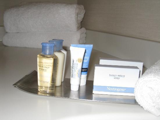 Doubletree By Hilton at the Entrance to Universal Orlando : Complimentary toiletries