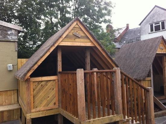 Auberge Bar & Restaurant: One of the Hush Huts at Auberge in Abergavenny