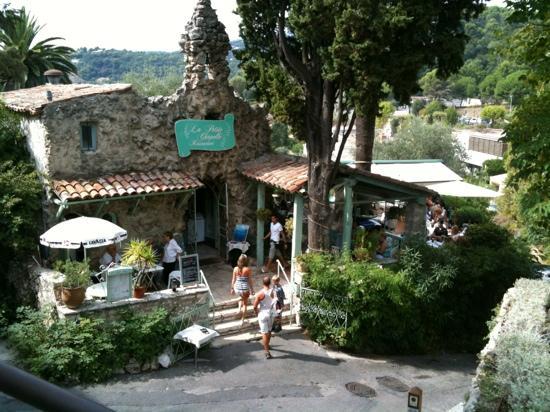 La Petite Chapelle : een matig restaurant op een prima lokatie, jammer.