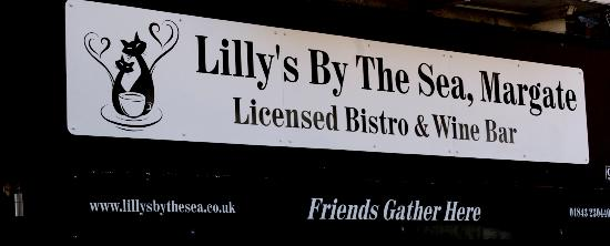 Lilly's By The Sea: Lilly's Bistro Bar