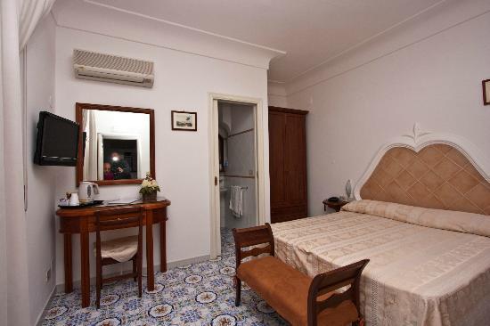 Mediterraneo: Room