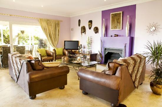 Berrydel Gourmet Guest House: Lounge