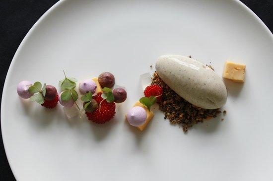 Lauro lapas: Rye bread icecream