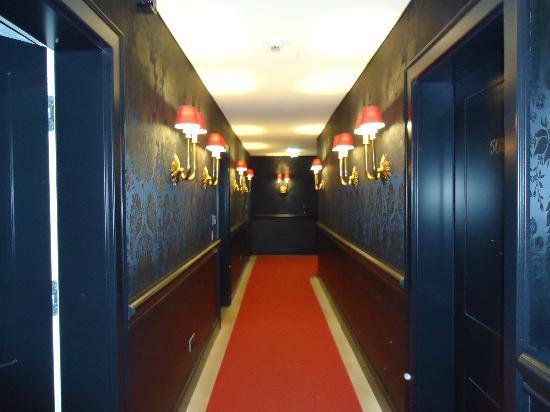 Hotel Beethoven Vienna: Fifth floor corrior