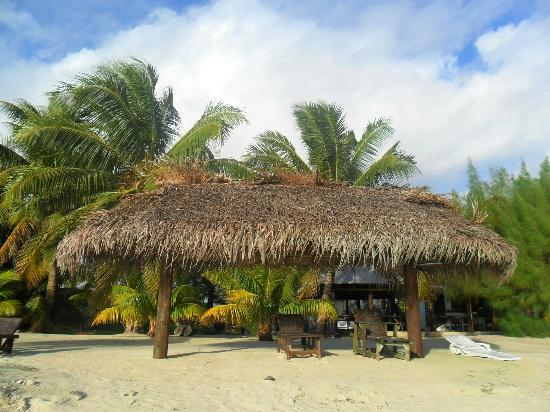 Inano Beach Bungalows: Beach view