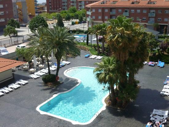 Aqua Hotel Bella Playa Costa Brava : uitzicht van uit het balkon.