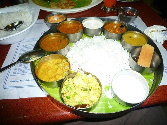 Saravana Bhavan: Hummm un bon Thali