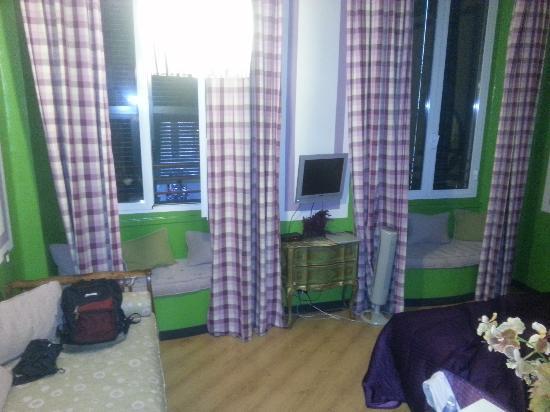 Hotel Colombo : camera 201 verde e viola