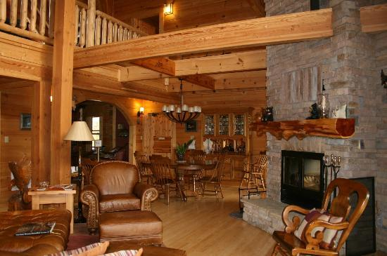 Chilhowee Mountain Retreat: Dining