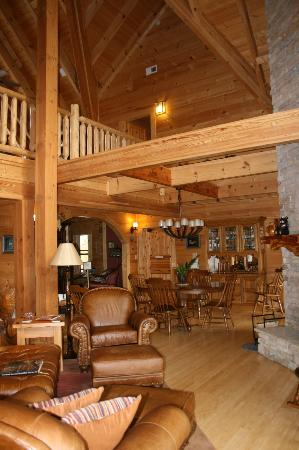 Chilhowee Mountain Retreat: Dining area