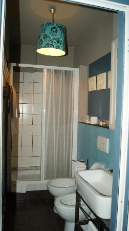 Hotel Colombo : bagno camera 301 azzurra