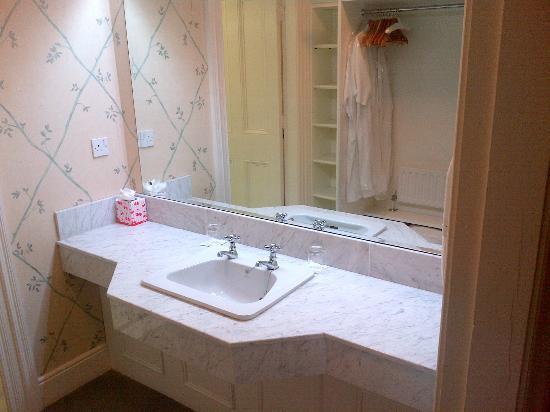 Longueville House Hotel: Bathroom, Longueville House