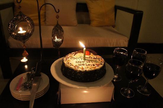 The Kool Hotel: My birthday surprise! :)