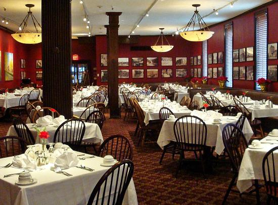 Penn Wells Hotel: Mary Wells Dining Room