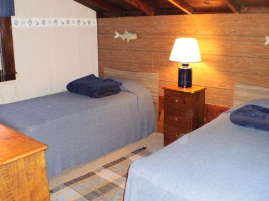 Eider Duck Cottages: Twin Bedroom