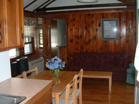 Eider Duck Cottages: View of Living Room From Kitchen