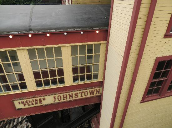 Johnstown Inclined Plane: Going in station,,,everything looks sssoooo close to hitting something.