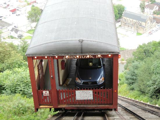 Johnstown Inclined Plane: The car in inclined plane coming up.