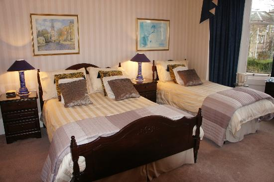 Number 45 Bed & Breakfast: bed room